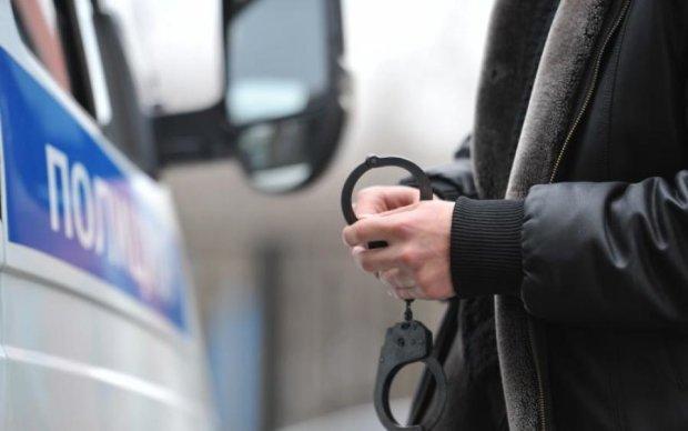 Намагалися підзаробити! Київські строковики попалися на крадіжці