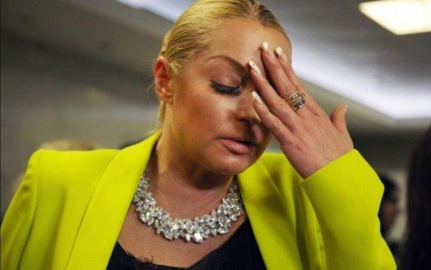 Неугомонная Волочкова вывалила свои крючки на семейном фото