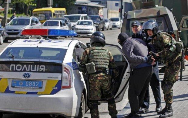 """Розстріл """"Сармата"""": копи затримали підозрюваного у вбивстві Віталія Олешка"""
