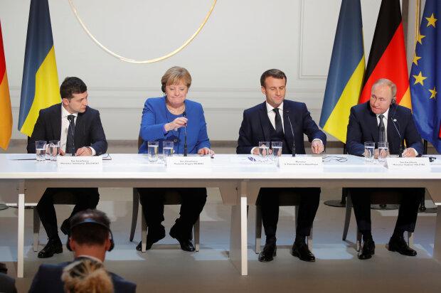 """Меркель провела Путину и Зеленскому мастер-класс по агрессивным позам: """"Есть яйца..."""", эпичное фото"""