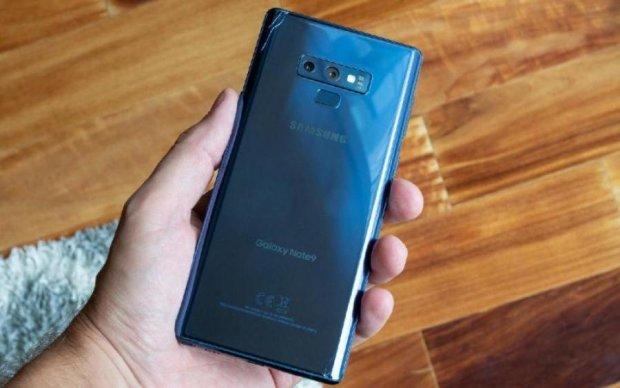 Шалено дорогий Galaxy Note 9 почав розсипатися на очах