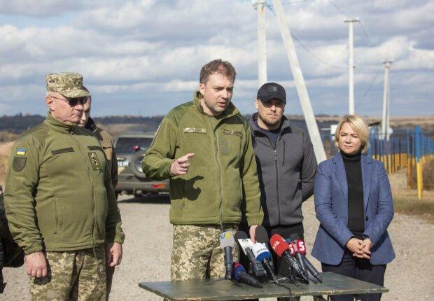 """Министр обороны Загороднюк успокоил юных украинцев: """"Никто принуждать к службе не будет"""""""