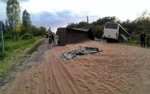 Моторошна ДТП в Луганську: бойовик влетів у маршрутку з пасажирами