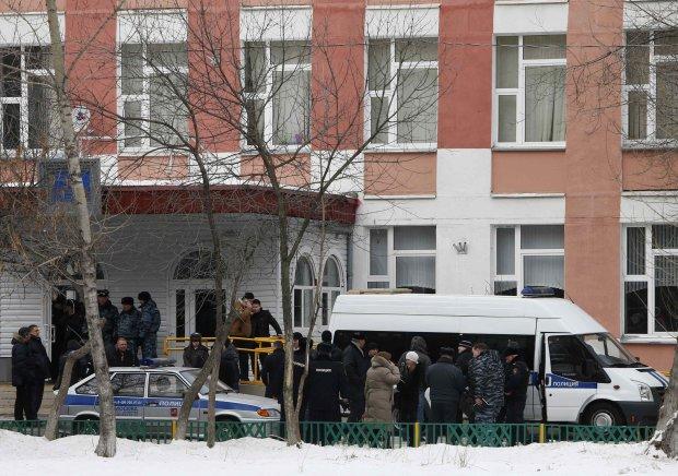 Озброєний старшокласник захопив школу, копи ведуть переговори: всі подробиці