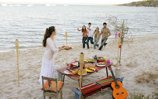 Пікнік на березі, фото з відкритих джерел