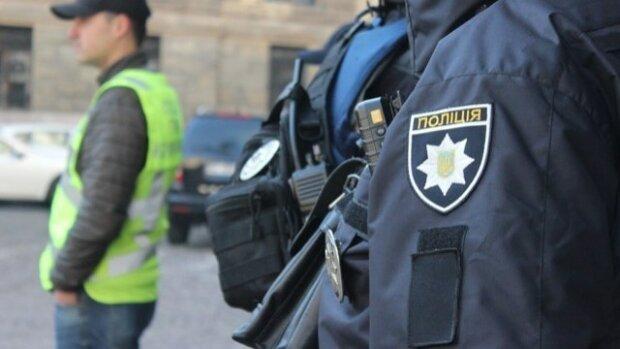 """Везли """"дурь"""" в Киев : юных львовян накрыли на """"подработке"""" наркотиками"""