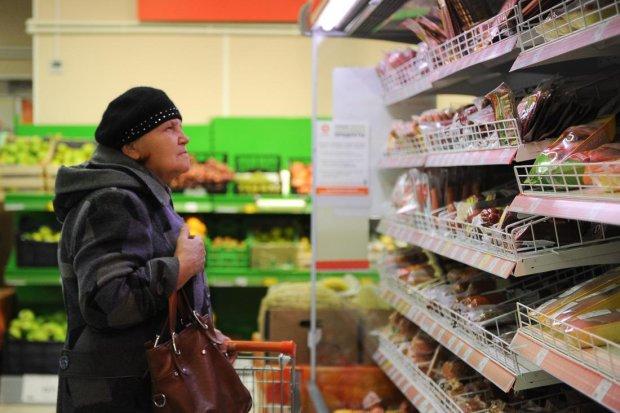 Любимые продукты украинцев резко подорожали: не по карману даже капуста
