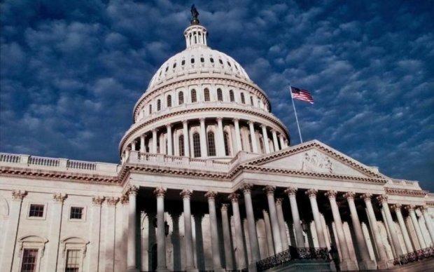 У здания Конгресса пронесся загадочный НЛО