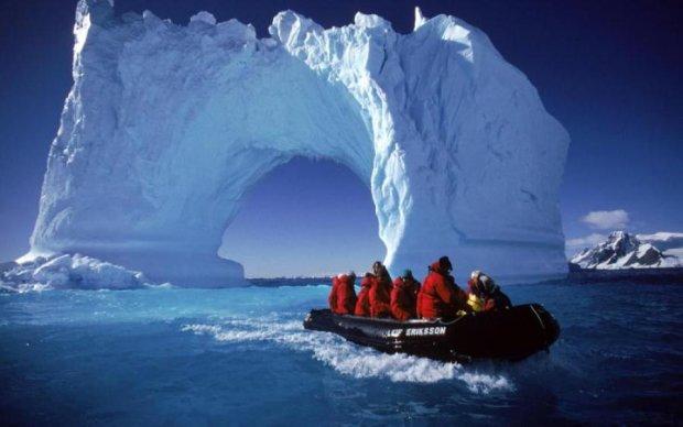 Віртуальні археологи знайшли в Антарктиді сходи в небо