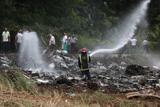 Известнейшие украинские самолеты попали в авиакатастрофу: первые кадры