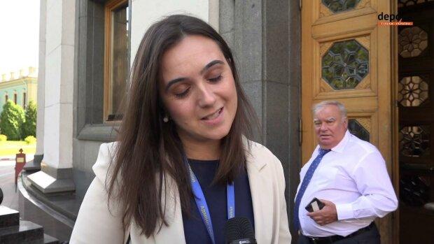 """Пресс-секретаршу Зеленского Мендель подвел вспыльчивый характер в Омане, украинцы не сдержались: """"Какой-то трэш"""""""