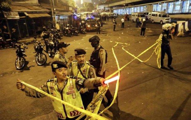 Потужні вибухи прогриміли в Індонезії