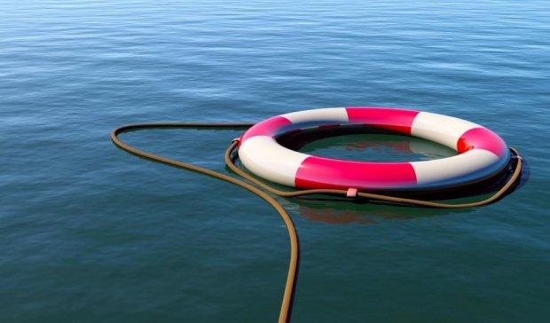 Людина за бортом: китаянка борсалась у морі півтори доби