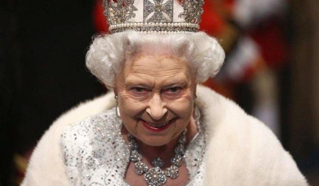 """Королева Елизавета отмечает """"сапфировый"""" юбилей"""
