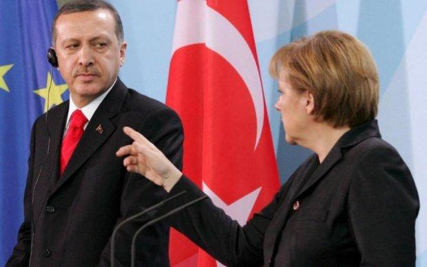 Меркель поставила Эрдогану ультиматум