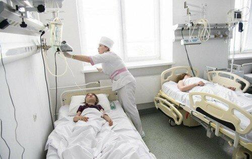 Четверо львів'ян потрапили до лікарні після відпочинку в Трускавці