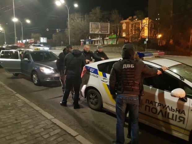 У Києві поліцейський убив чоловіка посеред вулиці: просто в серце