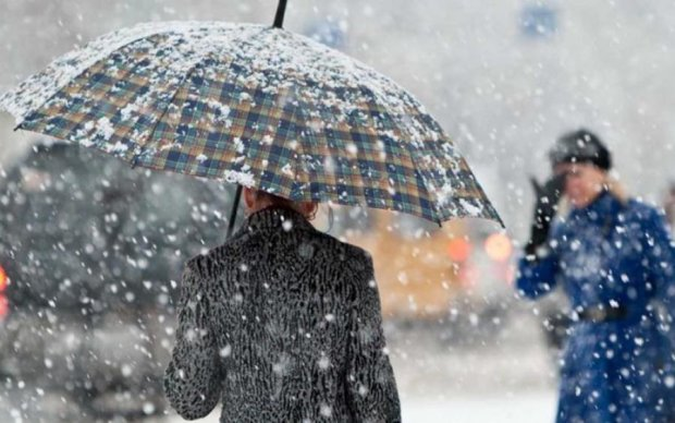 Україну накриють дощі і снігопади, стихія пощадить лише одне місто