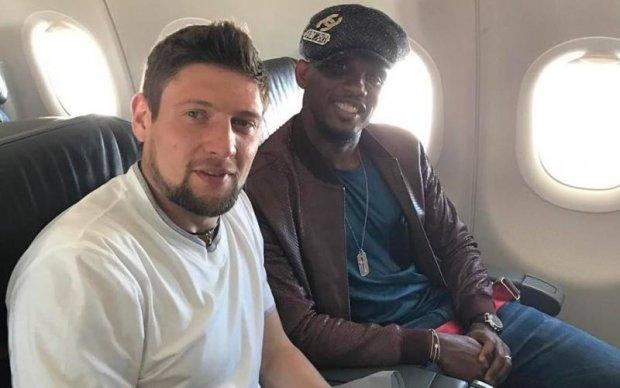 Нападающему сборной Украины стало стыдно за свой пост в соцсети
