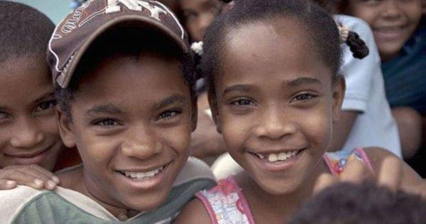 """В доминиканской деревне девочки в 12 лет превращаются в мальчиков. Генетики раскрыли тайны уникального феномена """"геведосе"""""""