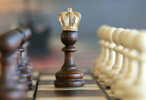 Пешка в короне \ фото Апостроф