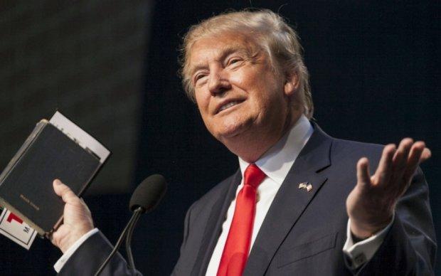 Трампу більше не дозволяють змінювати і видаляти твіти