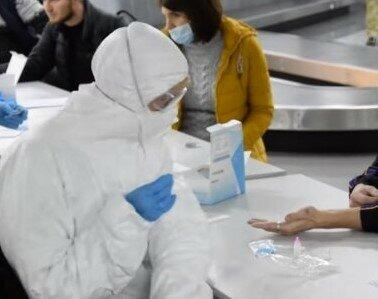 """У """"Борисполі"""" українцям з Європи влаштували жорсткий """"тест-драйв"""", коронавірус приречений"""