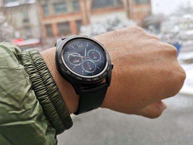 HONOR Watch Magic з'явилися в Україні: топовий смарт-годинник для активного відпочинку