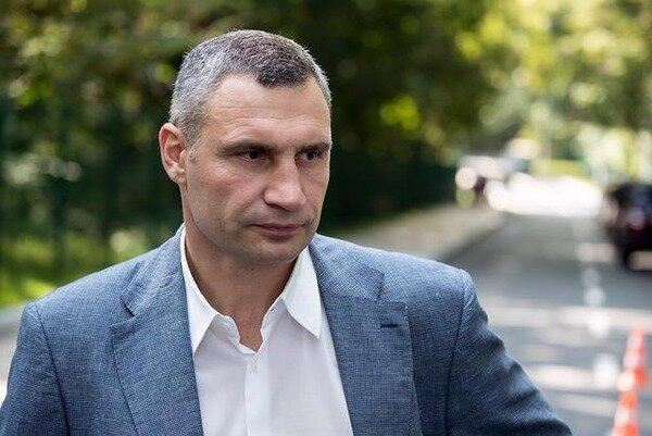 """Кличко подарил """"смотрящему"""" Комарницкому сотни миллионов, депутаты бунтуют: """"Плевать хотел"""""""