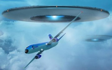 НЛО атакував авіалайнер: епічне відео