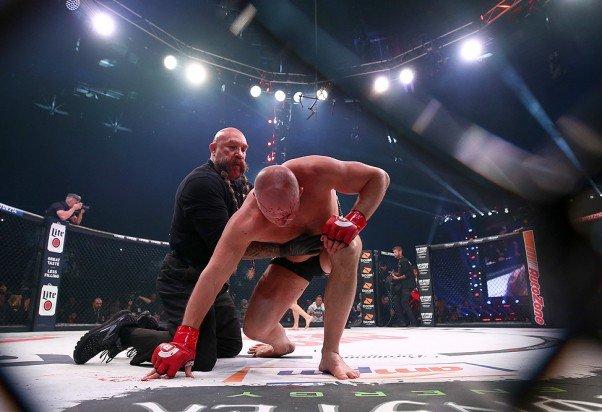 Федор Емельяненко проиграл бой Райану Бейдеру на турнире Bellator 214