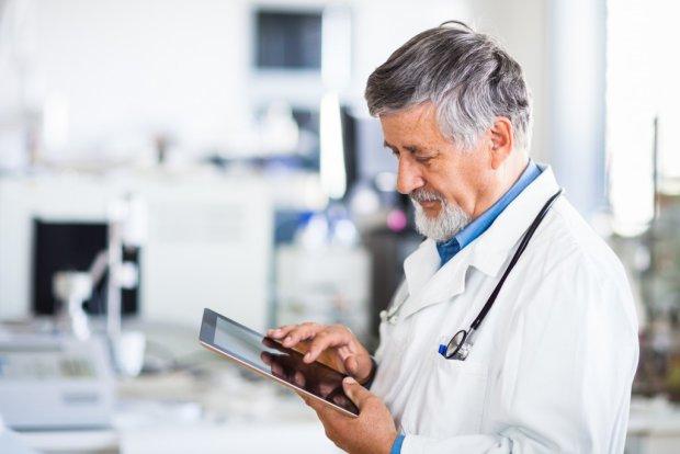 Лікар уважно вивчав Facebook померлих пацієнтів, і ось навіщо