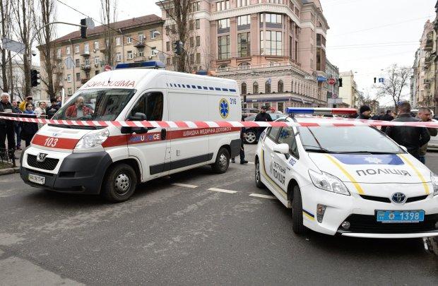 В Киеве девушка выбросилась из окна 23 этажа и оставила три записки: решила нашу проблему