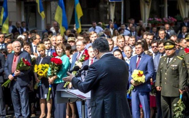 Украина в ЕС и НАТО: Порошенко собирается переписать Конституцию