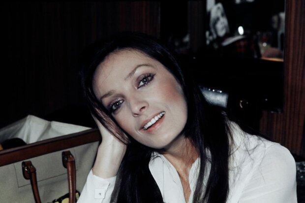 Ее боготворили Ален Делон и Бельмондо: ушла из жизни известная певица и актриса