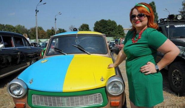 У Харкові змагалися ретро-автомобілі (фото)