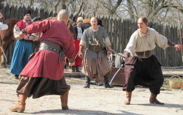 Справжні козаки: рівненські копи похвалилися віковою традицією