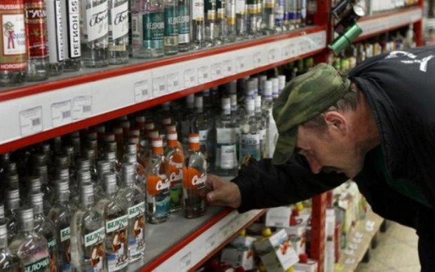 Колега Януковича приїхав лікувати бойовиків від алкоголізму