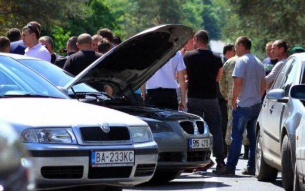 """Що буде з """"євробляхами? Експерт пояснив на прикладі трьох автомобілів"""