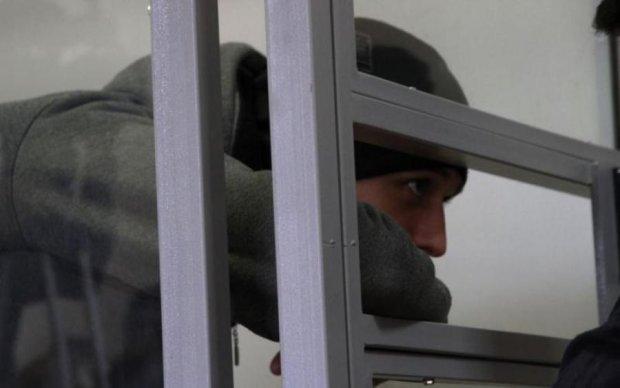 Кримські військові-зрадники отримали терміни в Україні