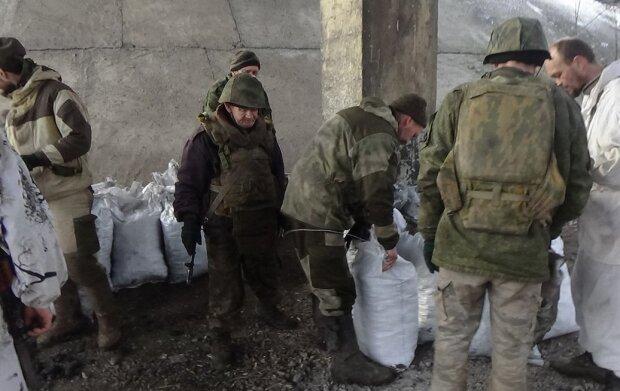 """Озверелые путинские боевики на Донбассе собрали """"живой щит"""" из маленьких украинцев, кадры не для слабонервных"""