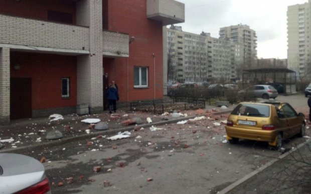 В Санкт-Петербурге взорвался дом: опубликовано видео