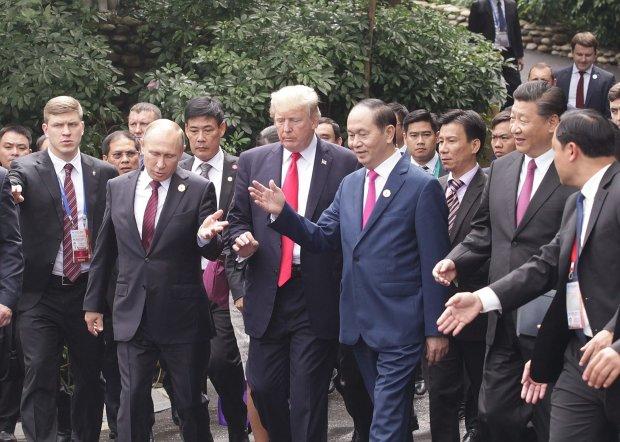 Головне за ніч: світова війна від Путіна та нові зарплати