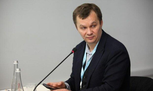 """Милованов пояснив, що не так із зупинкою тютюнової фабрики у Прилуках: """"Шантажують уряд"""""""