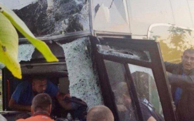 Страшное ДТП автобуса в Черновцах: есть жертвы