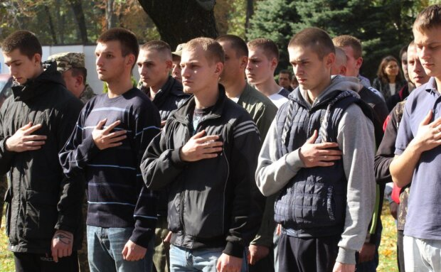 В Україні стартував осінній призов: хто піде в Нацгвардію, а кому світить служба в ЗСУ