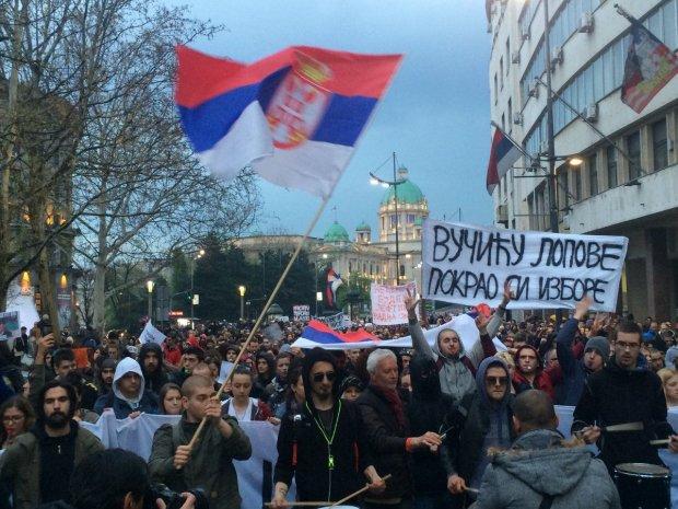 """Европейская столица содрогнулась от новой волны протестов, людей предали: президента скоро """"вынесут"""""""