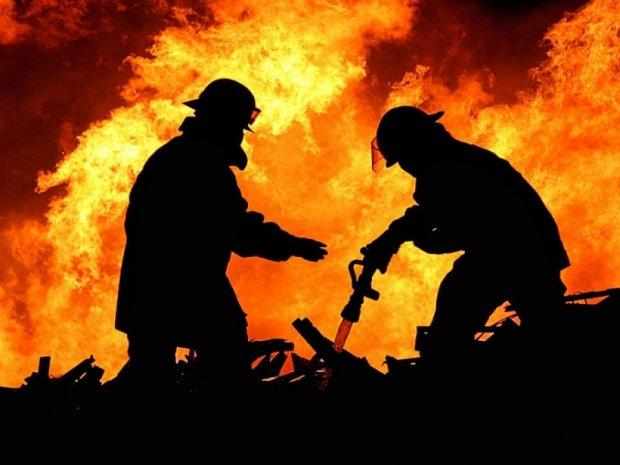 На 8 березня чоловік підпалив свою подругу