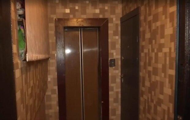 """У Тернополі умільці розширили квартиру, забравши ліфт: """"Щось не подобається?"""""""