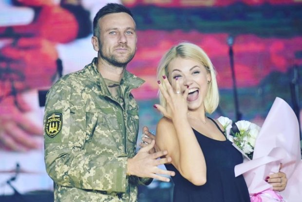 Український воїн запропонував руку і серце відомій акторці